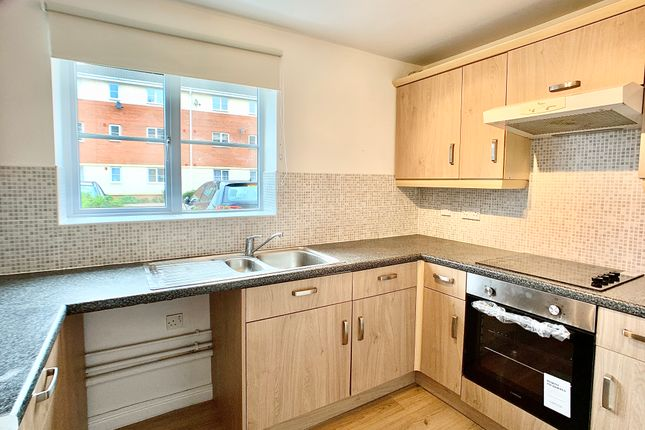 Thumbnail Flat to rent in Gillespie Close, Bedford
