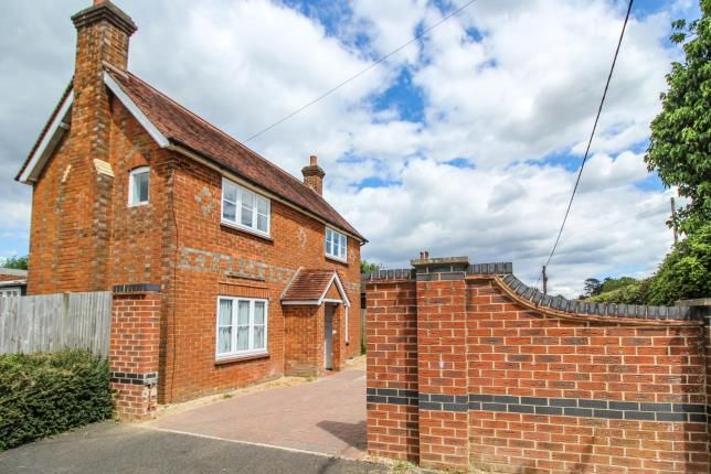 Detached house for sale in Tadley, Hampshire