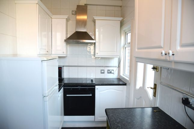 Thumbnail Maisonette to rent in Mount Nod Road, Streatham Hill