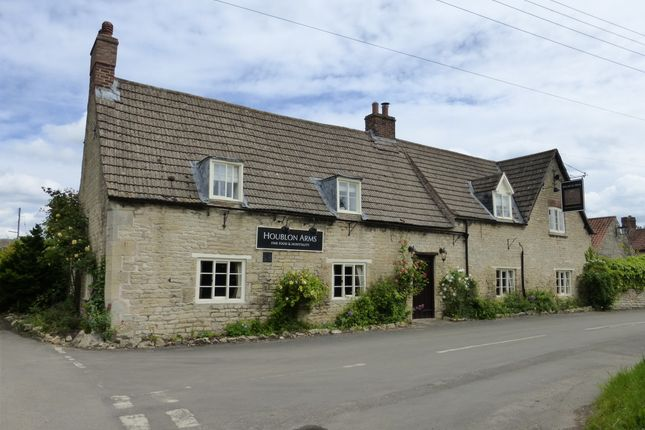 Thumbnail Pub/bar for sale in Oasby, Grantham
