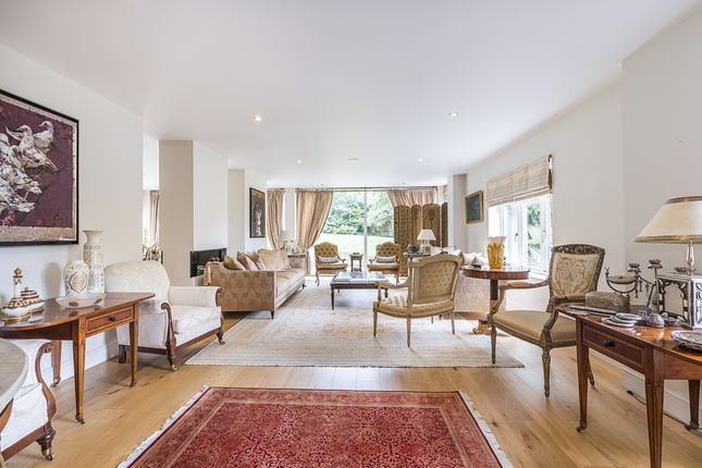 Thumbnail Flat to rent in Southwood Avenue, Coombe, Kingston Upon Thames