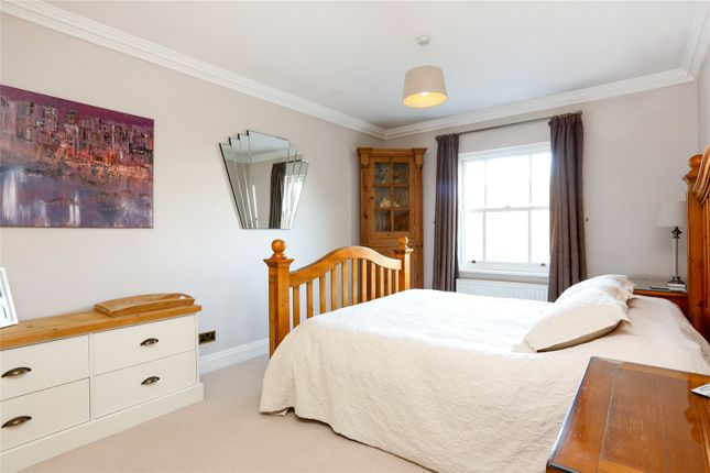 Picture No. 48 of Hampton Court Road, East Molesey KT8