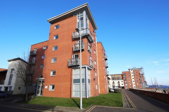 External Front of Thorter Row, Dundee DD1