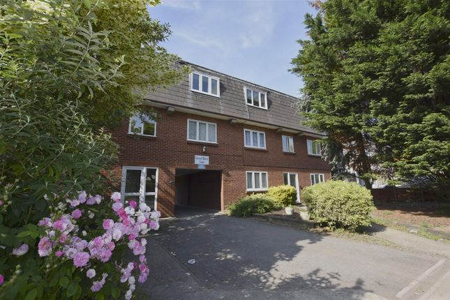 Thumbnail Flat for sale in Woolwich Road, Belvedere