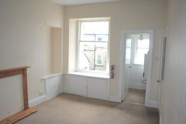Flat to rent in Hamilton Lane, Bo'ness