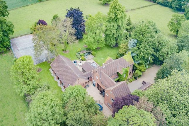 Thumbnail Detached house for sale in Manor Road, Hatfield, Doncaster