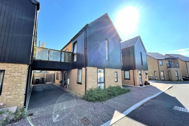 2 bed detached house for sale in Crossbill Way, Newhall, Harlow CM17