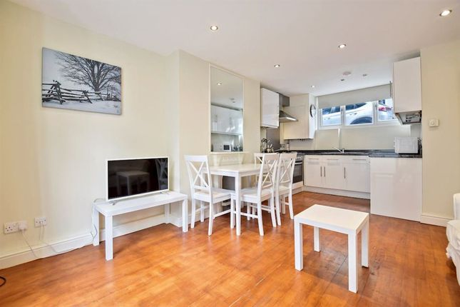 Thumbnail Property to rent in Aylesford Street, London