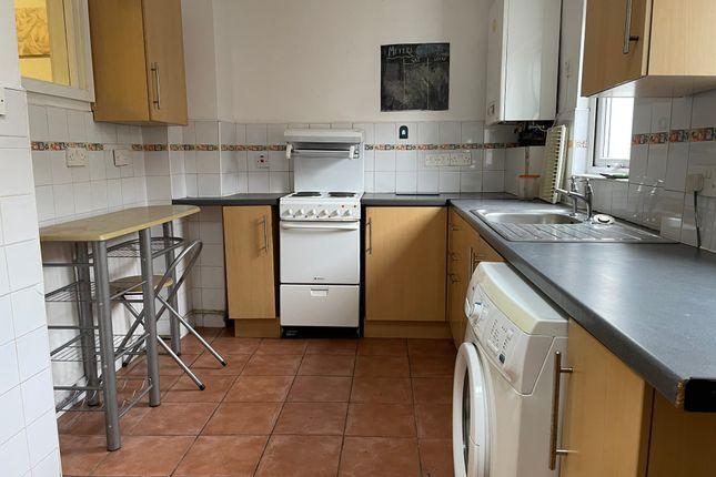 3 bed terraced house to rent in Bolingbroke Terrace, Heaton NE6