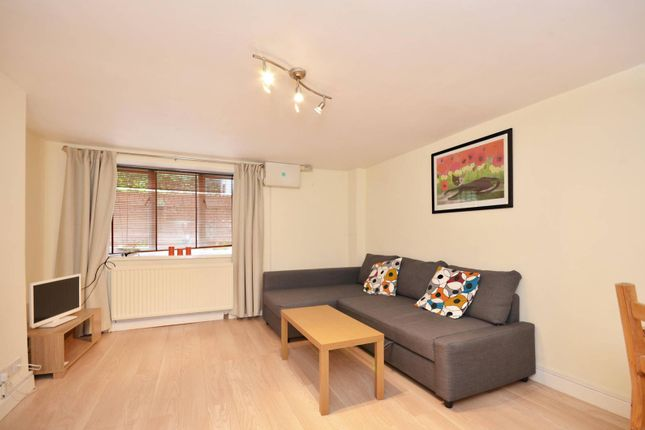 Thumbnail Studio to rent in Lower Edgeborough Road, Guildford