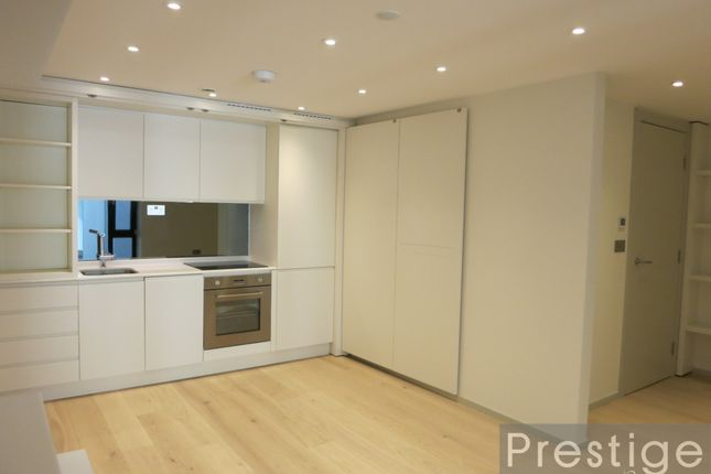 2 bed flat to rent in Seven Sisters Road, London