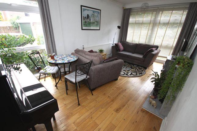 Flat to rent in Minerva Lodge, Blackheath