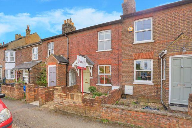 Thumbnail Cottage to rent in Cravells Road, Harpenden, Hertfordshire