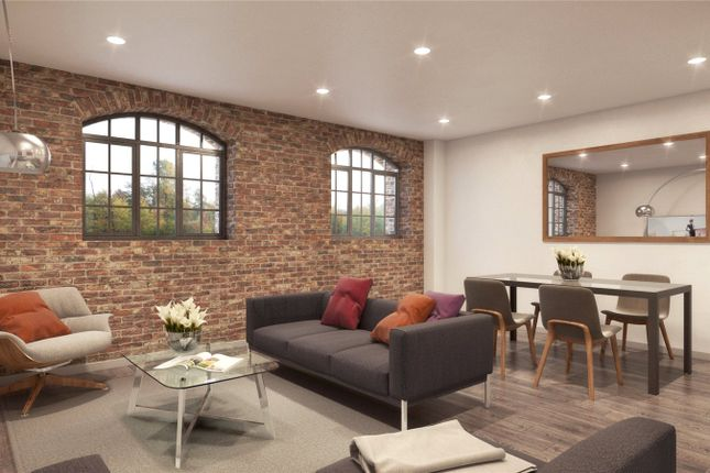Thumbnail Flat for sale in Woodcote Side, Epsom, Surrey