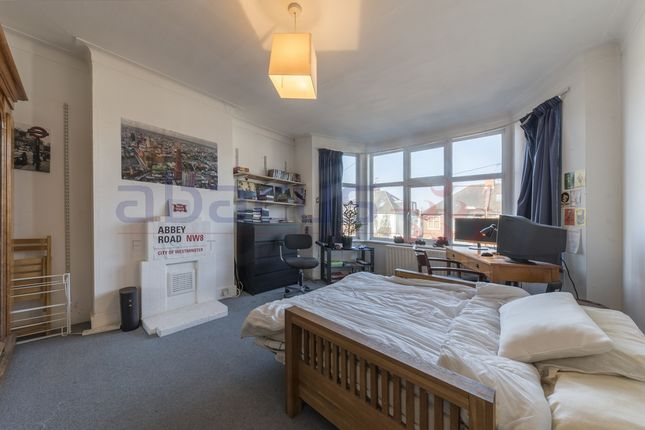 Thumbnail Flat for sale in Amery Gardens, Kensal Rise