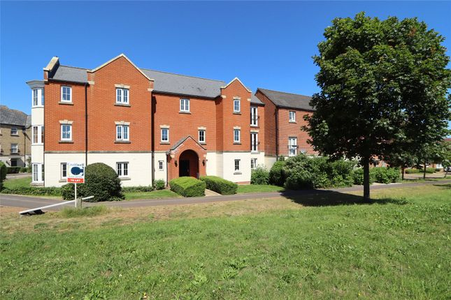 2 bed flat to rent in Harlow Crescent, Oxley Park MK4