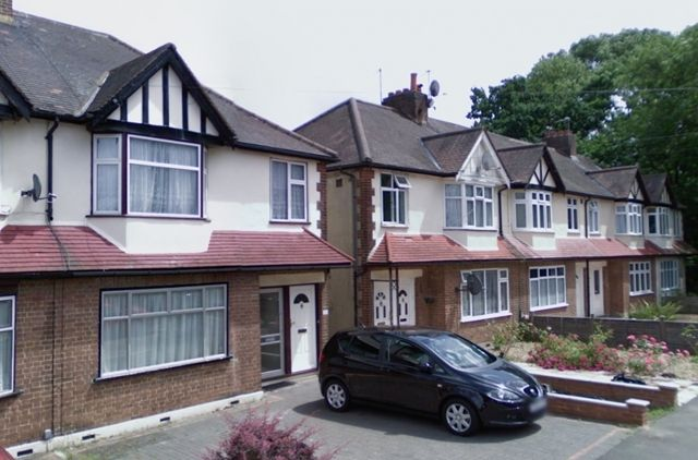 Thumbnail Maisonette to rent in Heyford Avenue, Merton Park, London
