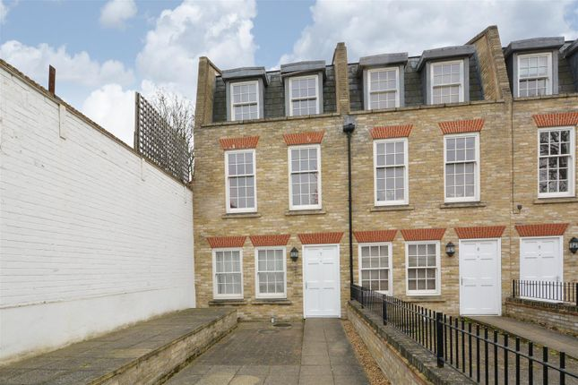 Thumbnail Terraced house to rent in Montague Mews, London