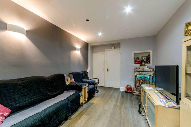 Thumbnail Property for sale in Sheen Lane, Mortlake
