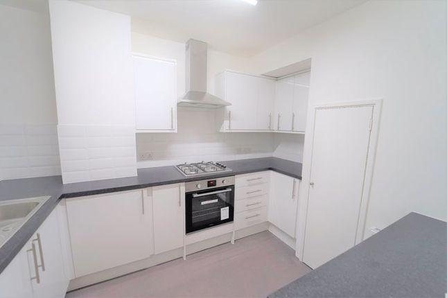 Thumbnail Flat to rent in Randolph Gardens, London