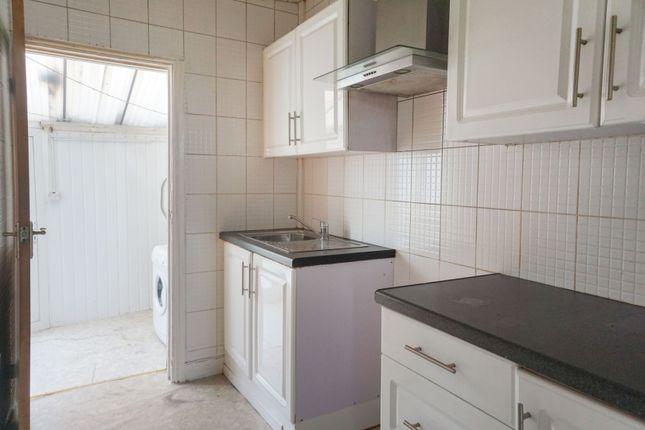 Kitchen of Alum Rock Road, Birmingham B8