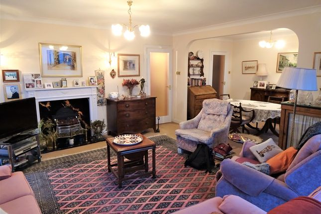 2 bed flat for sale in York Avenue, Hove BN3