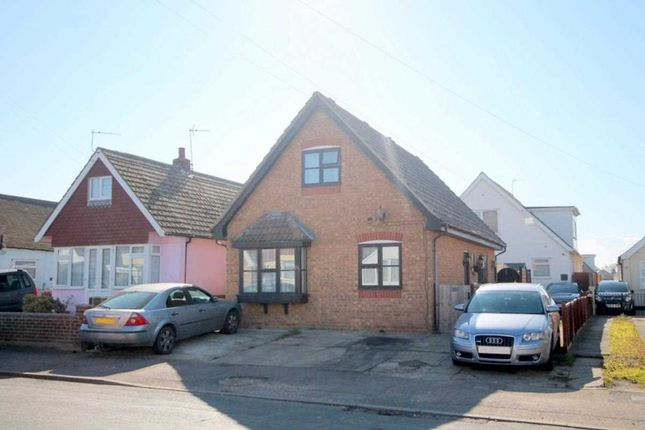 Main Picture of Golf Green Road, Jaywick, Clacton-On-Sea CO15