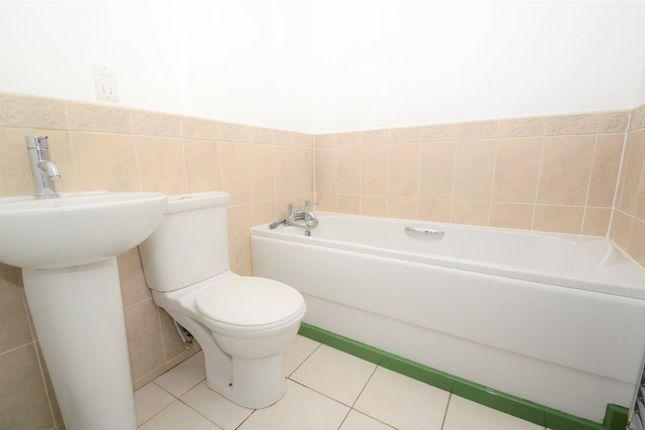 Bathroom of Riverside View Apartments, 1 Riverside View, Accrington, Lancashire BB5