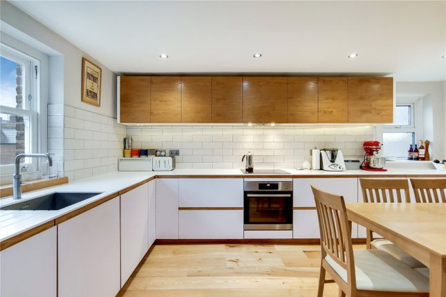 4 bed flat for sale in Gladwell Road, London N8