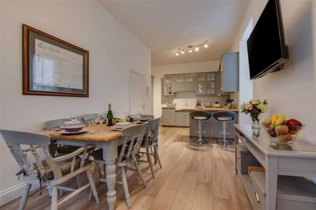 Thumbnail Flat for sale in Westgate House, The Parade, Pembroke