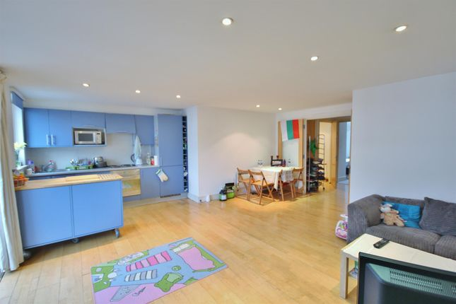 Open Plan Living Room And Kitchen Image 2