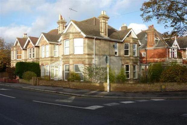 Thumbnail Flat to rent in Kingsbridge Road, Parkstone, Poole