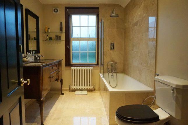 Bathroom of Pinner Green, Pinner HA5