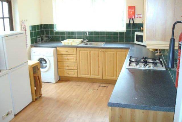 Thumbnail Property to rent in Orchard Waye, Uxbridge