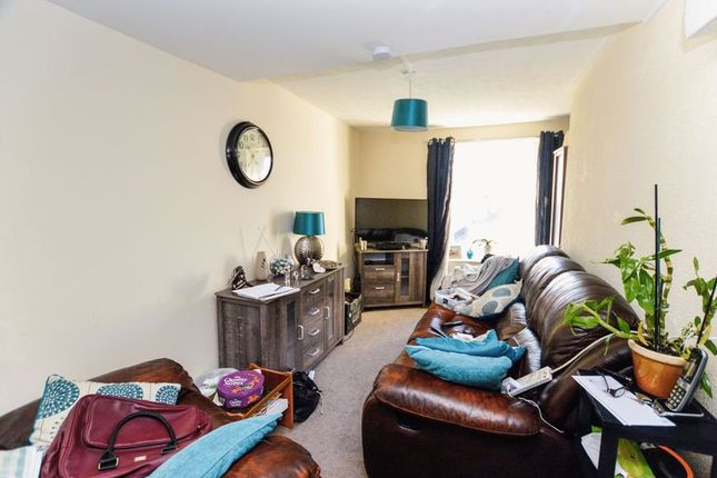1 bed flat for sale in High Street, Dover