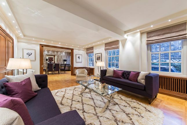 Flat to rent in Lowndes Square, Knightsbridge, London