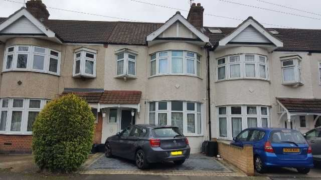 Thumbnail Terraced house to rent in Cotswold Gardens, Ilford