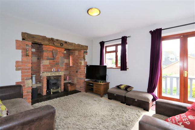 Thumbnail Cottage for sale in Hollow Road, Breedon-On-The-Hill