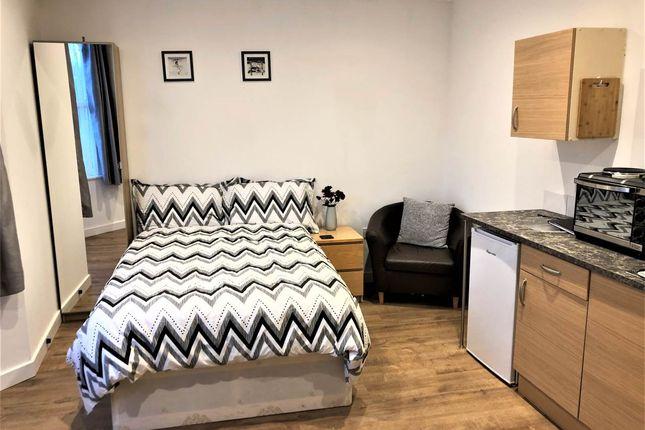 Thumbnail Studio to rent in London Road, Warmley, Bristol