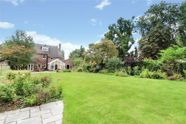 Thumbnail Detached house for sale in Crouch House Road, Edenbridge