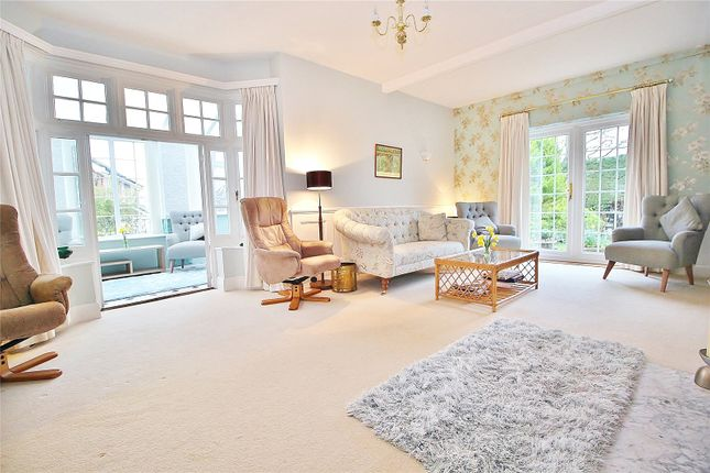 Lounge of Salvington Hill, High Salvington, West Sussex BN13