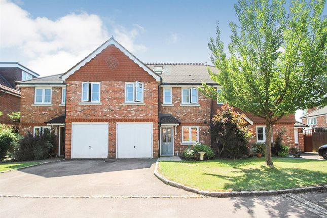Thumbnail Property for sale in Salix Gardens, Twyford, Reading