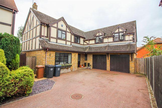 Thumbnail Detached house for sale in Blenheim Close, Sawbridgeworth
