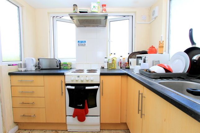Thumbnail Terraced house to rent in Eastbourne Road, Brighton
