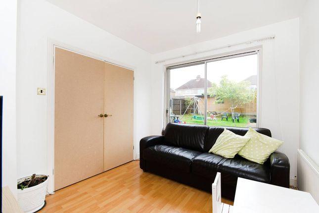 Thumbnail Studio to rent in Sefton Avenue, Harrow Weald