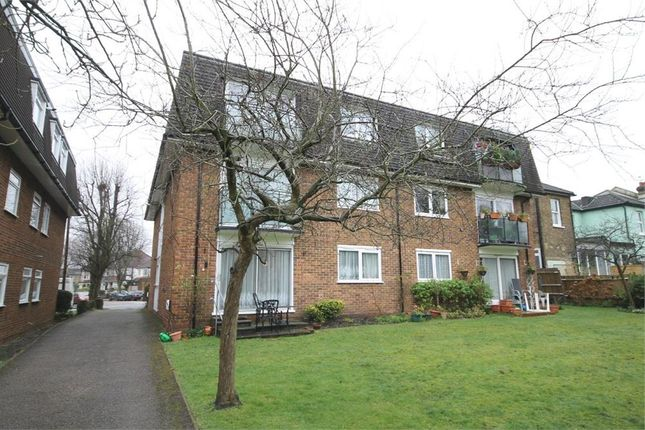 Thumbnail Flat for sale in Onslow Gardens, Wallington