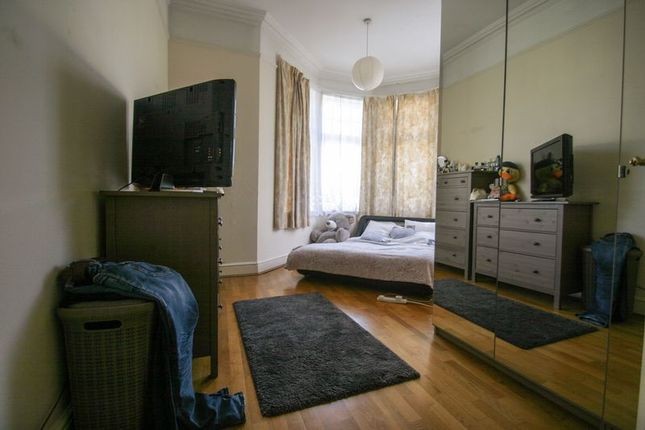 Bedroom of Fox Lane, London N13