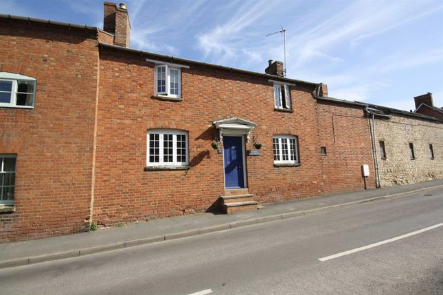 Thumbnail Property for sale in Mill Street, Harbury, Leamington Spa