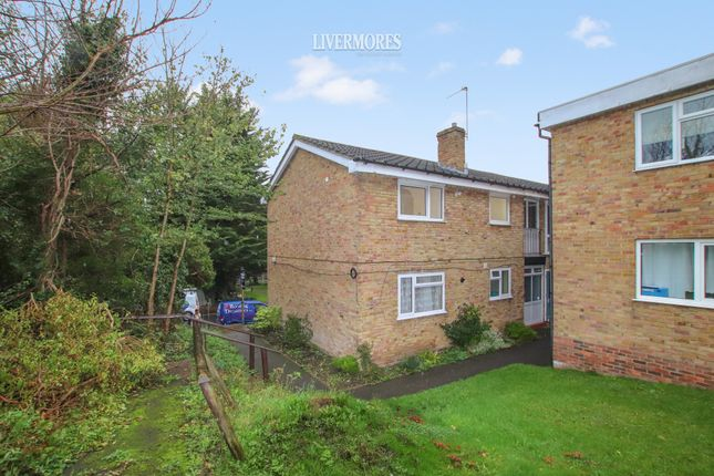 2 bed maisonette to rent in Paddock Close, South Darenth, Kent DA4