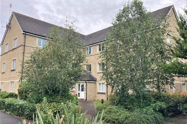 2 bed flat to rent in Harrier Close, Calne SN11